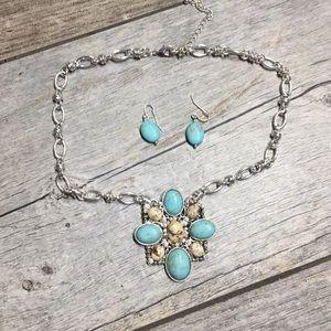 Jewelry - Turquoise silver necklace set